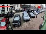 Похищение BMW с 2 миллионами долларов в центре Москвы попало на видео
