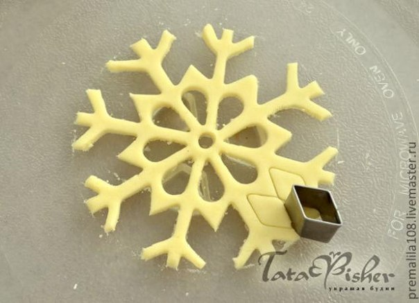 Снежинка своими руками из теста
