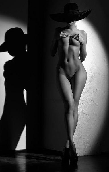 Голые фото черно белое