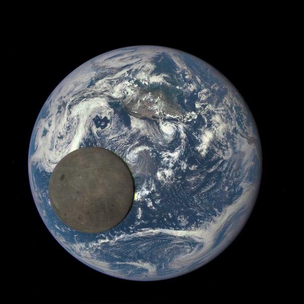 Новое потрясающее космическое видео от NASA. В главных ролях: Земля и Луна: