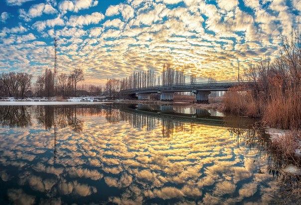 Весенний закат на реке Усманке, Воронежская область. Автор фото: Тимур Подколзин.