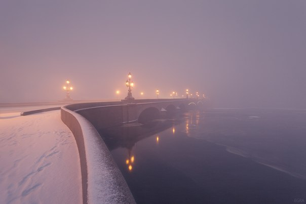 Троицкий мост, Санкт-Петербург. Автор фото: Елена Гамза.