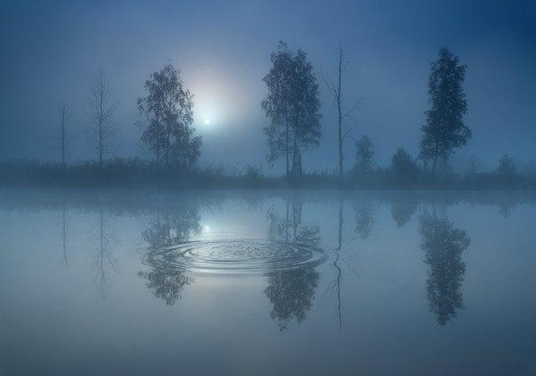 Утро на реке Чусовая. Средний Урал, Россия. Автор фото: Вадим Балакин.