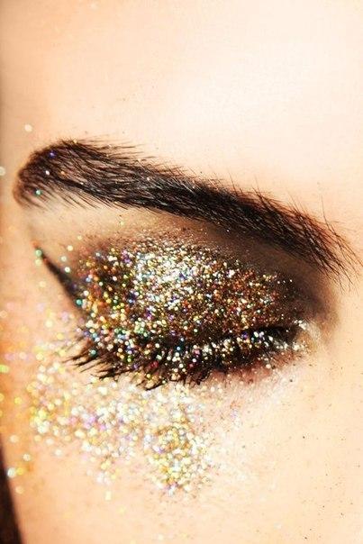 Как сделать глаза с блеском