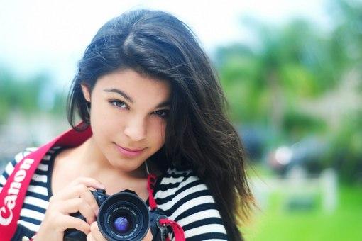 одна обычная красивая девушка брюнетка фото