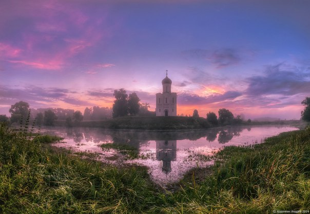 Церковь Покрова на Нерли, Владимирская область. Фотограф: Андрей Корочкин.