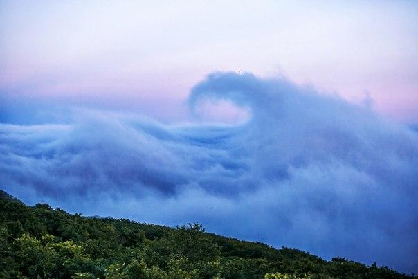 «Море тумана». Вид с форта имени Екатерины Великой на Владивосток, укрытый туманом. Автор фото — Ася Орлова