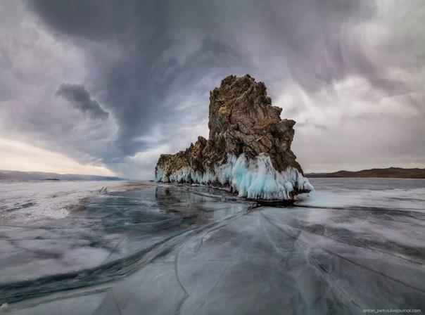 Непогода у острова Огой, Байкал. Фотограф — Антон Петрусь