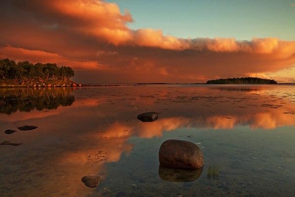 Закат на Соловецком острове. Автор фото — Андрей Полукаров