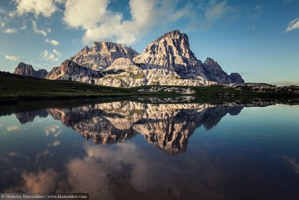 Скалы Тре-Чиме-ди-Лаваредо, Доломитовые Альпы, Италия. Фотограф — Николай Хорошков