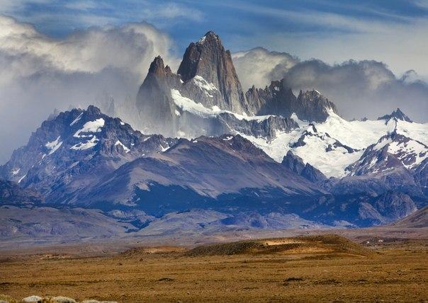 Гора Фицрой, Патагония, пограничная область между Аргентиной и Чили. Автор фото — Владимир Владимиров