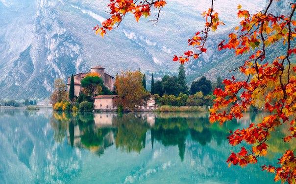 Замок Тоблино, Италия. Автор фото — Петр Банный: nat-geo.ru/photo/user/25741/