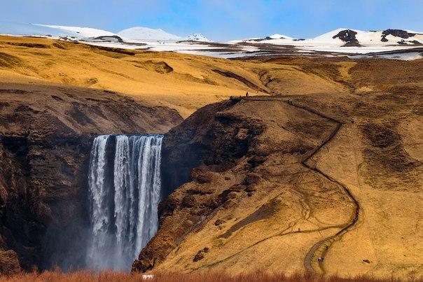 Водопад Скоугафосс, Исландия. Автор фото — Мила Бырко: nat-geo.ru/photo/user/50287/