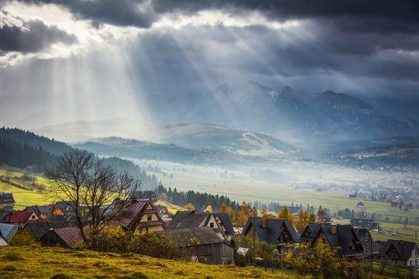 Las montañas los Altos Tatry, Polonia. El autor de la foto — Nikolay Denisov: nat-geo.ru\/photo\/user\/123163\/