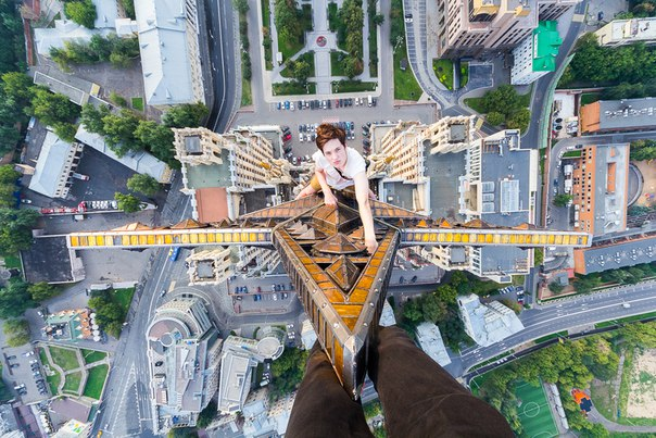 Шпиль одной из Сталинских высоток. Автор фото — Александр Воскресенский: nat-geo.ru/photo/user/260571/