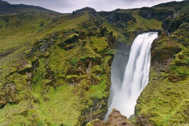 Водопад на реке Скога, Исландия. Автор фото — Иван Нехаев: nat-geo.ru/photo/user/16038/