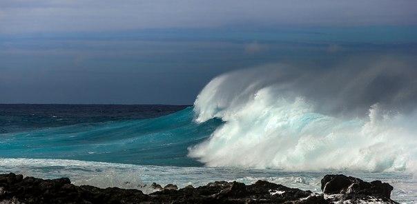 «Штормовой предел». Остров Пасхи, Тихий океан. Автор фото: Никита Сердечный.