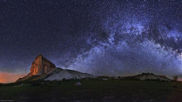 Белая скала, Белогорский район, Крым. Автор фото: Alexander Trashin. Спокойной ночи.