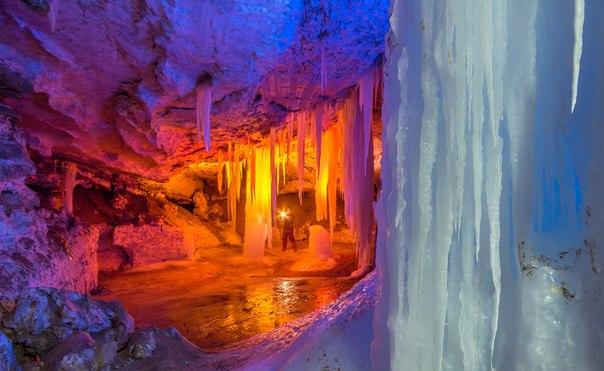 Пещера на реке Пинега, Архангельская область. Фотограф: Антон Мальков.