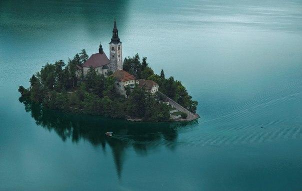 Озеро Блед, Словения. Автор фото: Петр Косых.