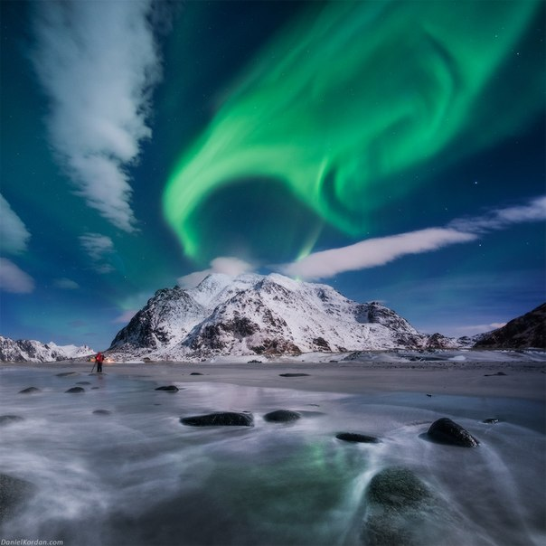 «Северное танго». Лофотенские острова, Норвегия. Автор фото — Даниил Коржонов: Доброй ночи!