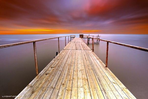 Закат на Каспийском море. Новханы, Азербайджан. Автор фото — Lyokin Photos