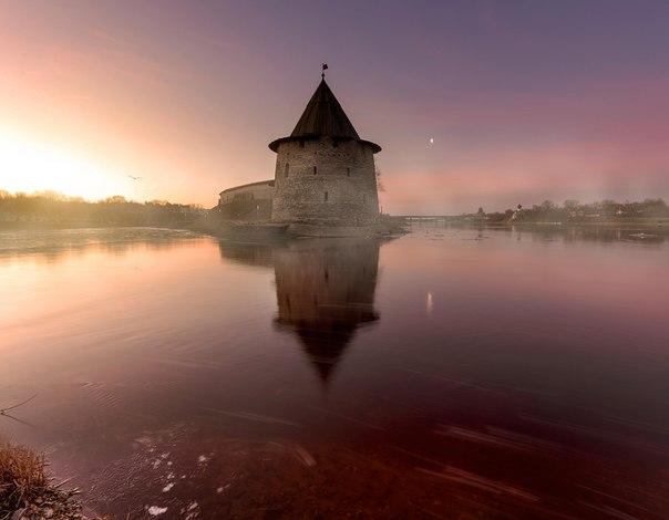 Мартовское утро во Пскове. Автор фото — Эдуард Гордеев