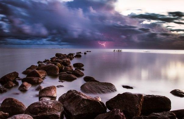 «Утро или ночь?». Куршский залив, Калининградская область. Автор фото — Дмитрий Кнак: Доброй ночи!