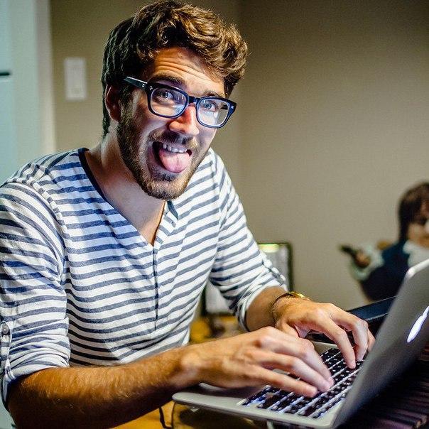 Как сидя дома в интернете зарабатывать от 1 000 000 рублей в месяц Да да, вы не ослышались, от ОДНОГО МИЛЛИОНА РУБЛЕЙ в месяц.