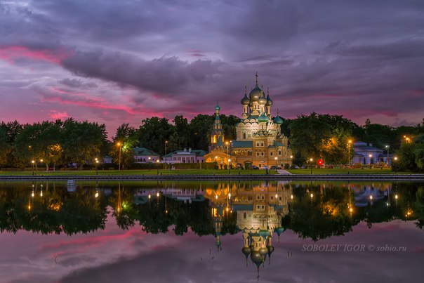 Храм Живоначальной Троицы в Останкине. Автор фото: Игорь Соболев.
