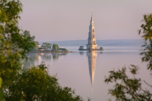 Колокольня Никольского собора, Калязин, Тверская область. Автор фото: Евгений Жмак.