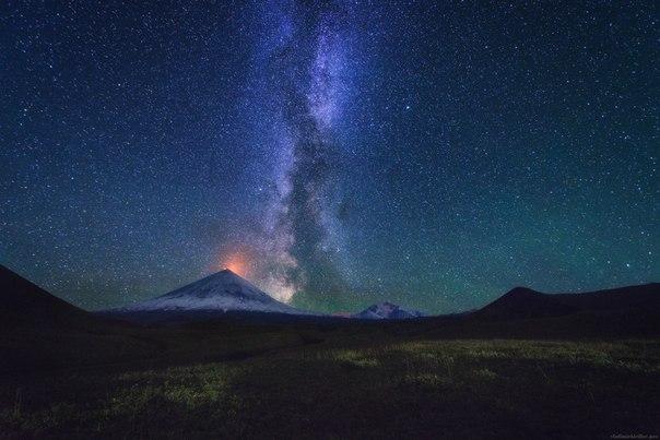 Звездная ночь на стоянке «Подкова», Камчатка. Автор фото: Владимир Кириллов.