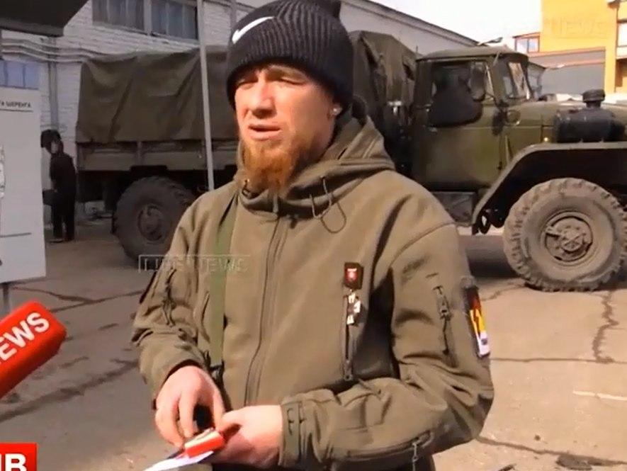 """Ополченец Моторола награжден медалью """"За защиту мирного населения"""""""