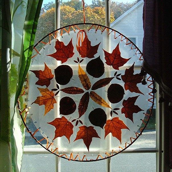Украшение поделок листьями