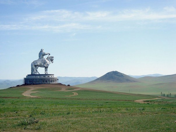 Памятник Чингисхану, Монголия