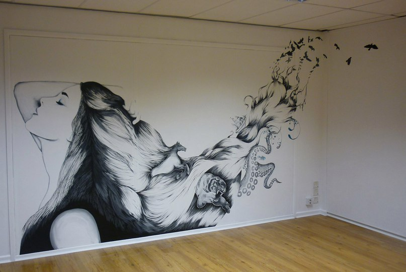 Рисунок на стене в комнате своими руками цветы