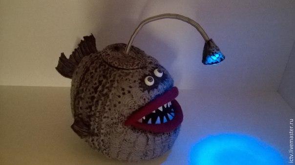 Мастерим «Чудо-юдо» рыбу-светильник из фетра