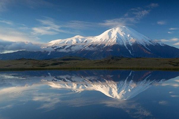 «Зеркало для великана». Вулкан Толбачик, Камчатка. Автор фото — Денис Будьков