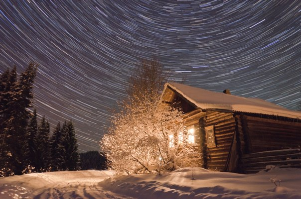 Морозный вечер в селе Бисерово, Кировская область. Автор фото — Сергей Бисеров