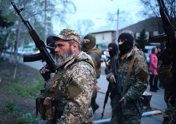 В Луганске ополченцы взяли под контроль патронный завод