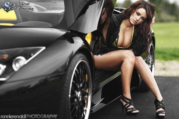 Lamborghini Murciélago. #CarsGirls