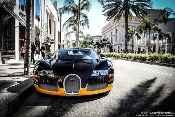 Bugatti Veyron. Ответ на утреннюю загадку. #CarsGirls
