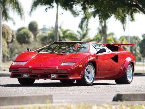 Lamborghini Countach LP5000. #CarsGirls