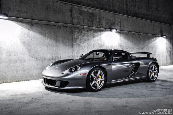 Porsche Carrera GT. #CarsGirls