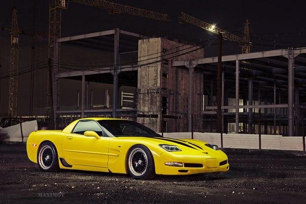 Chevrolet Corvette. #CarsGirls