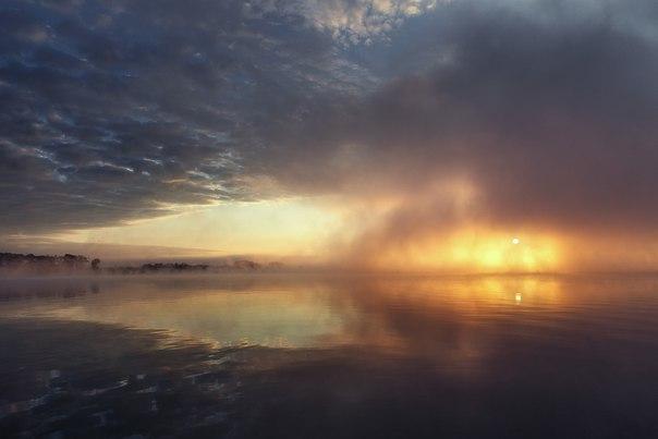Рассвет, озеро Павленское, Серпуховский район, Московская область.