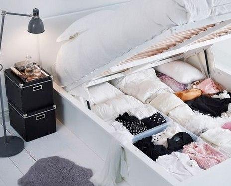 Что делать, если комната крошечная: 10 советов от дизайнеров Жизнь в маленькой квартире-шкафу в наших широтах ситуация распространенная, но не безнадежная. Мы узнали у профессиональных дизайнеров о способах визуальной коррекции крошечного пространства и получили полезные советы, которые, уверены, пригодятся и вам