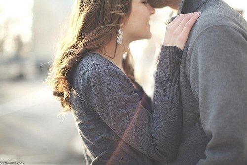 Что стоит прощать любимому или 5 основных правил в отношениях Притча об идеальных женщине и мужчине Я слышал об одном человеке, избегавшем уз брака всю жизнь, и когда он умирал в возрасте девяноста лет, кто-то спросил его: - Ты так и не женился, но никогда не говорил почему. Сейчас, стоя на пороге смерти, удовлетвори наше любопытство. Если есть какой-то секрет, хоть сейчас раскрой его - ведь ты умираешь, покидаешь этот мир. Даже если твой секрет узнают, вреда это тебе не причинит. Старик…