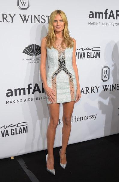 Хайди Клум короткое платье Гала-ужин amfAR-2015 в Нью-Йорке