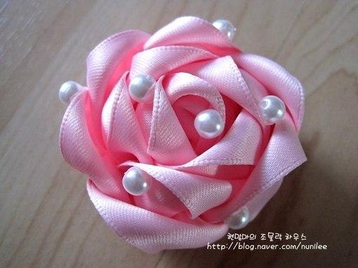 Роза из атласной ленты. Мастер-класс (8 фото) - картинка